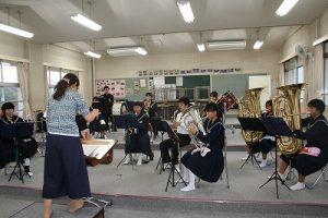 吹奏楽部練習中の写真