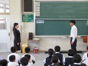 教育実習生の写真